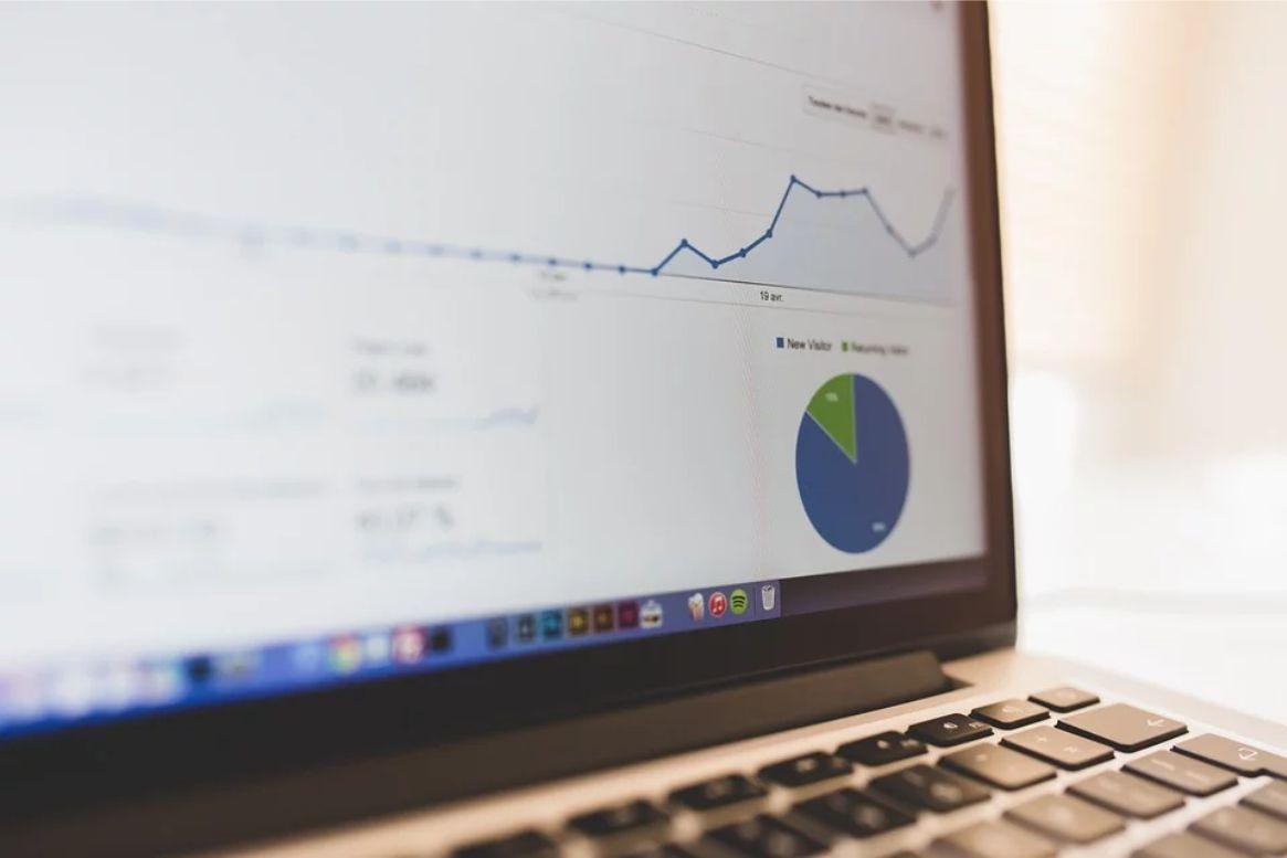 Wpływ optymalizacji fraz na pozycjonowanie witryny
